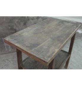 Mesa con estante 70